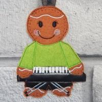 Ginger Keyboard Player