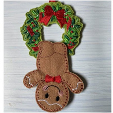 Hanging Ginger Wreath